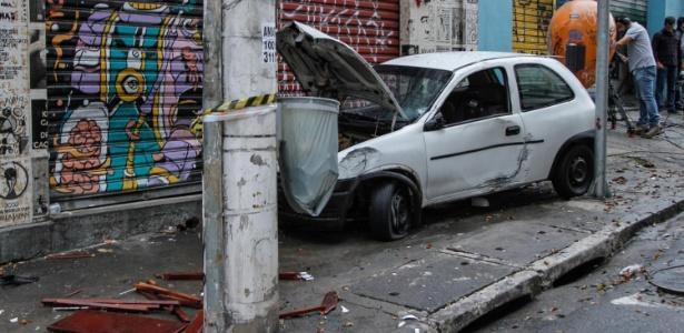 Uma das vítimas ficou em estado grave. O motorista tentou fugir do local, mas foi impedido por frequentadores do estabelecimento