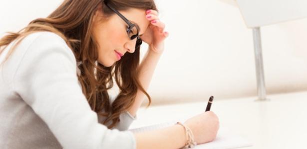 Palavrão, hino do time: Veja o que pode zerar sua redação no Enem - Shutterstock