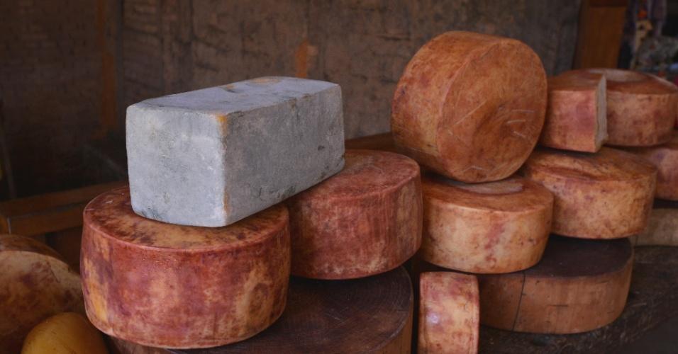 Os queijos maturados (foto) somam 75% de toda a produção da Fazenda Atalaia, que também se dedica aos queijos frescos