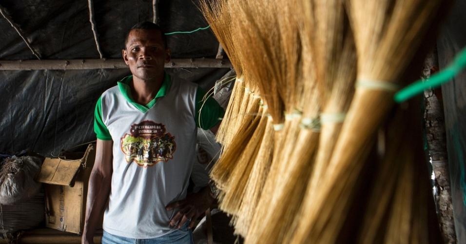 Em Cacimbinha, moradores colhiam e faziam artesanato com capim dourado. Há dois anos, dizem, a Estrondo os proibiu
