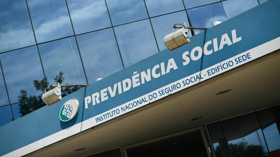 O total de pessoas contribuindo para a Previdência caiu a 53,342 milhões no trimestre encerrado em agosto - Pedro França/Agência Senado