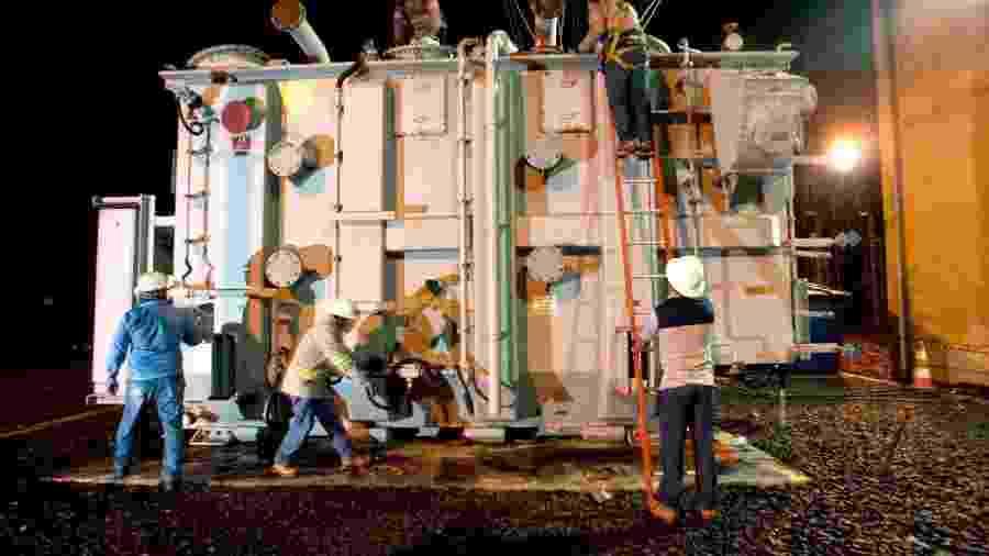 Transformador extra foi transportado para Macapá para tentar solucionar apagão - Emiliano Capozoli/Gemini/Divulgação