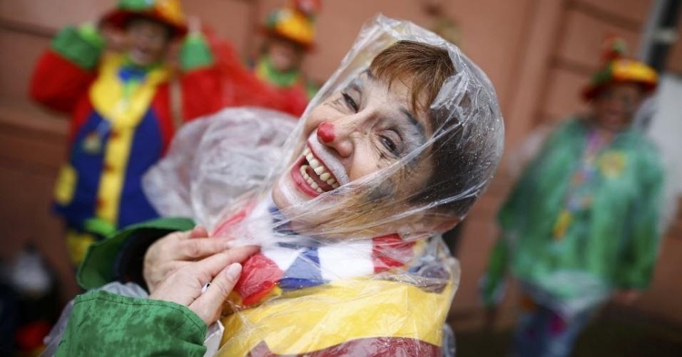 """4.fev.2016 - Foliã participa do tradicional """"Weiberfastnacht"""" (Carnaval das mulheres, em tradução livre) celebrado em Mainz, na Alemanha. O país realiza o evento sob um forte esquema de segurança após registrar ataques sexuais a mulheres na véspera de Ano-Novo"""