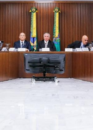 Michel Temer realiza primeira reunião ministerial após ser efetivado presidente