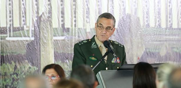 """""""Nós aprendemos a lição. Estamos escaldados"""", diz o comandante do Exército, general Eduardo Villas Bôas"""