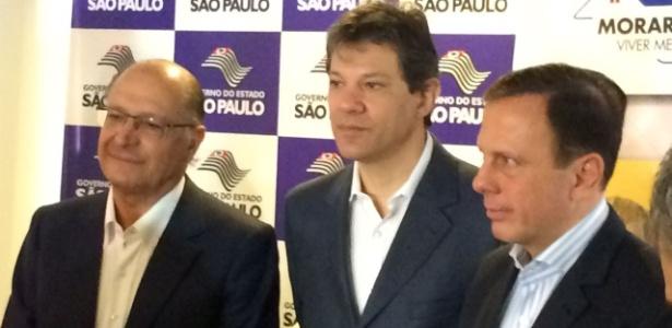 Alckmin (à esq.), o prefeito de São Paulo, Fernando Haddad (centro), e Doria