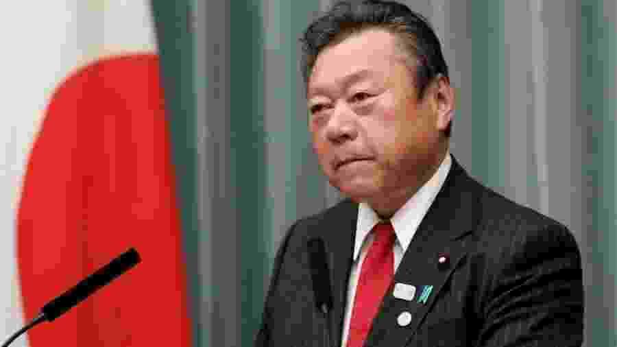 Yoshitaka Sakurada cometeu uma série de gafes desde que foi nomeado ministro no ano passado - Reuters