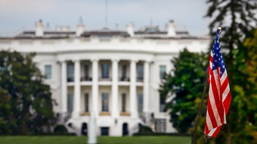 A Casa Branca não está pronta para suspender imediatamente as restrições de viagens - Bill Chizek/Getty Images/iStockphoto