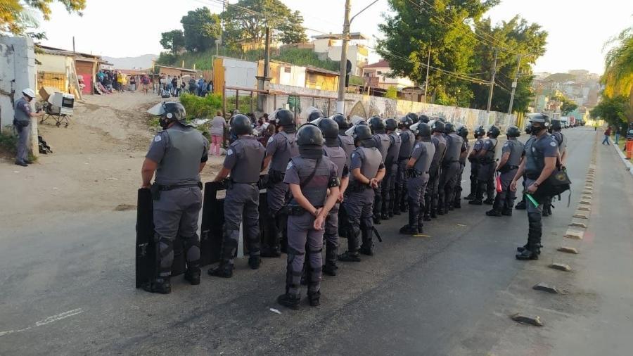 28.mai.2021 - Policiais militares cumprem ordem de reintegração de posse na comunidade Penha Brasil, na zona norte de São Paulo - Reprodução/Twitter/Bancada Feminina PSOL