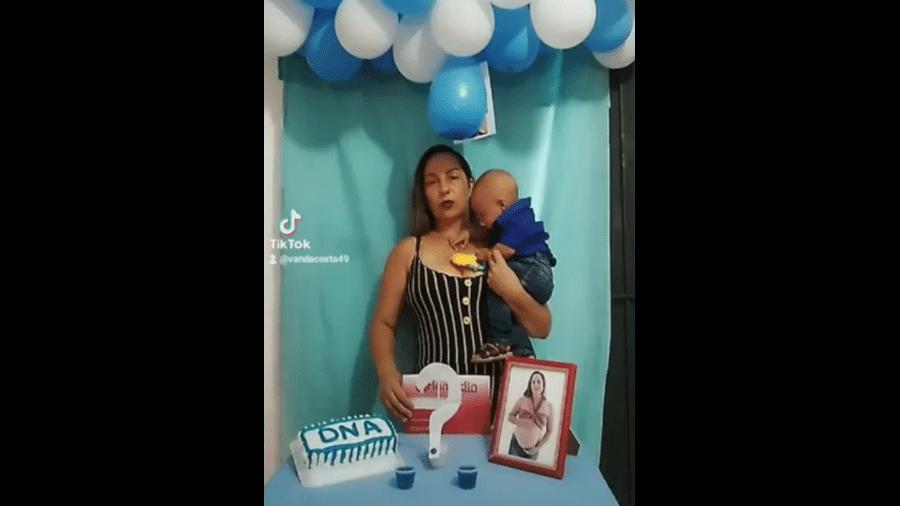 Vanda Ferreira Costa, moradora de Palestina de Goiás (GO), fez um vídeo de chá revelação de DNA para provar paternidade do filho - Reprodução/TikTok
