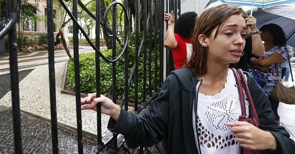 5.NOV.2016 - Estudante Camila Ferreira e a mae de Verde Roberta Cahgas