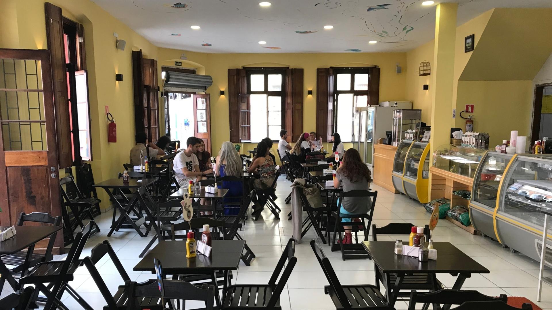 Restaurante Semente de Girassol, em Curitiba