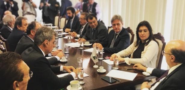 Meirelles (à dir.) debateu com senadores do MDB, como Simone Tebet