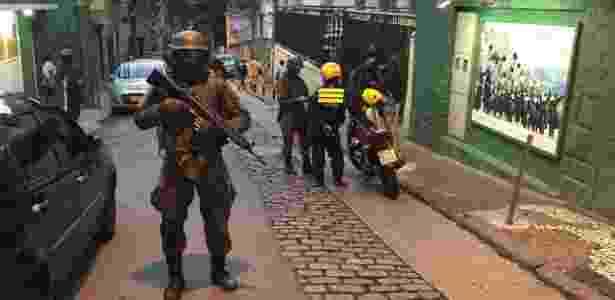 Militares monitoram acessos em morros da zona sul do Rio nesta quarta (11) - Luis Kawaguti / UOL - Luis Kawaguti / UOL