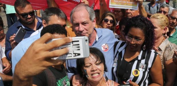 Ciro Gomes faz campanha em Duque de Caxias, no Rio de Janeiro
