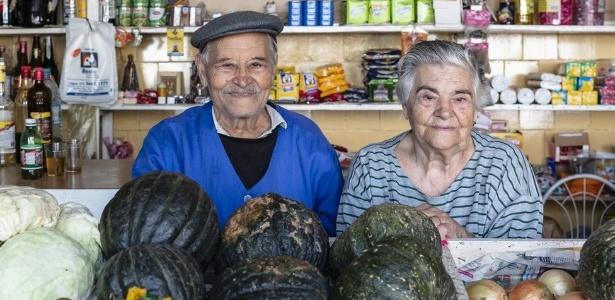 Os comerciantes Porfírio Valente, 91, e Maria de Lourdes Valente, 88, foram desalojados de seu apartamento em abril