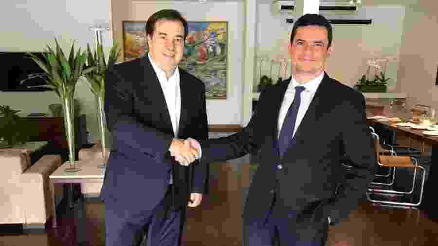 28.mar.2019 - Rodrigo Maia e Sergio Moro durante um café da manhã quando o ex-juiz ainda era ministro da Justiça e Segurança Pública - Reprodução
