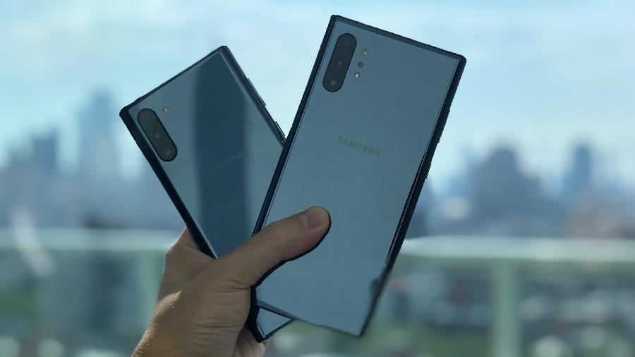 Galaxy Note 10 - traseiras das duas versões, com telas de 6,3 e 6,8 polegadas - Gabriel Francisco Ribeiro/UOL
