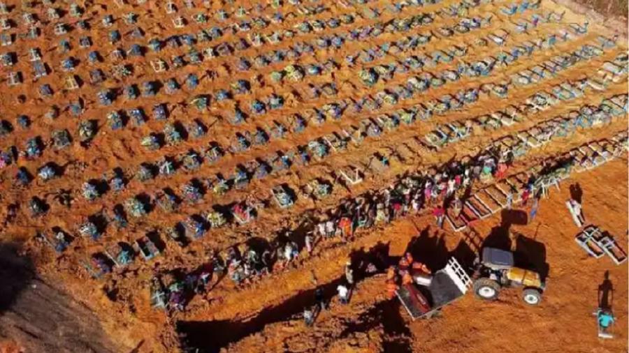Cemitério Nossa Senhora Aparecida, em Manaus - Foto:Michael Dantas/AFP