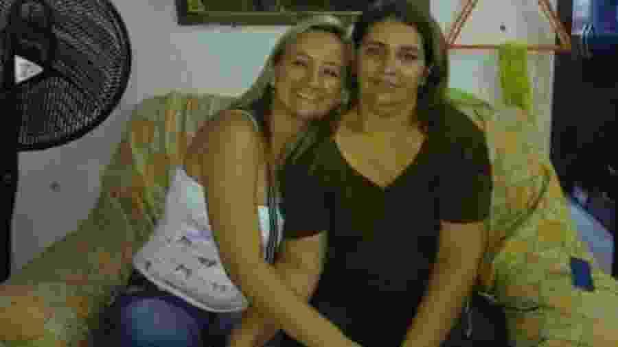 Idaliani Mendonça ao lado de Francisca Dantas: filha afirma que fez apelo a profissionais de saúde como forma de tentar ajudar a mãe - Arquivo pessoal