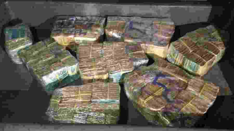 PM apreendeu R$ 360.992 em dinheiro durante uma abordagem a um motorista em Belo Horizonte - Divulgação/PMMG