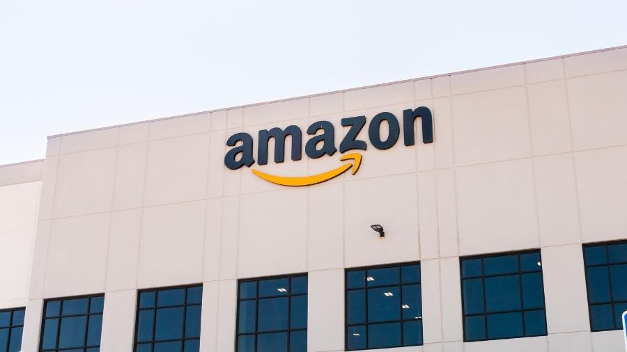 Mais de 500 mil empregados da Amazon terão aumento de 50 centavos a US$ 3 por hora - Sundry Photography/Getty Images