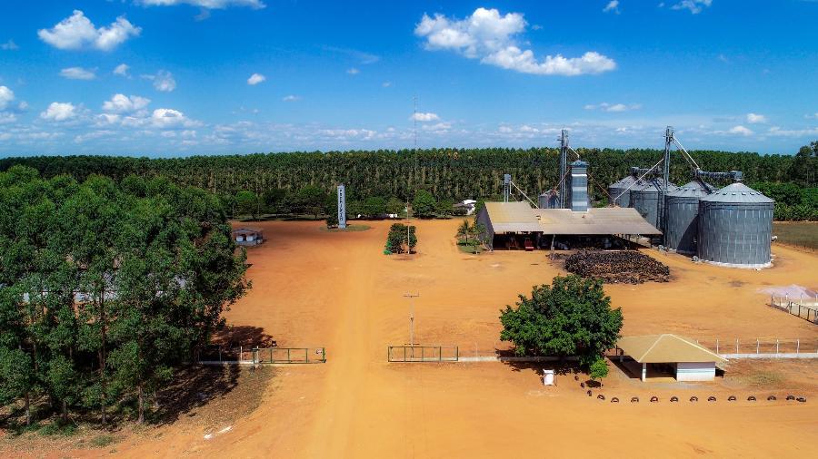 Portão principal e pátio da fazenda Promissão, em União do Sul (MT) onde, segundo o MP e a polícia, ocorreu uma chacina de seis homens em 18 de abril de 2020 - José Medeiros / UOL