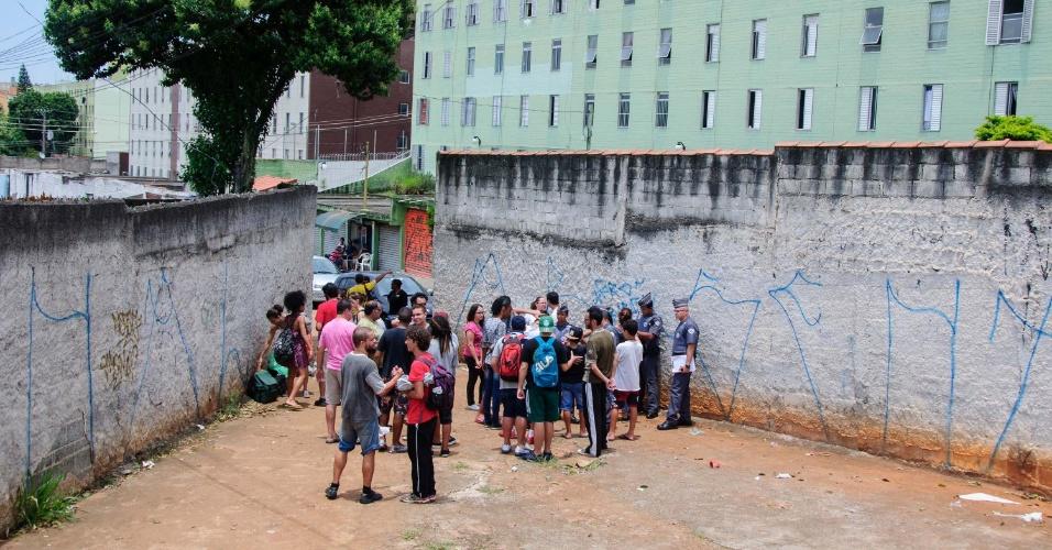 14.nov.2015 - Estudantes ocupam a Escola Estadual Salvador Allende, Zona Leste de São Paulo (SP), neste sábado
