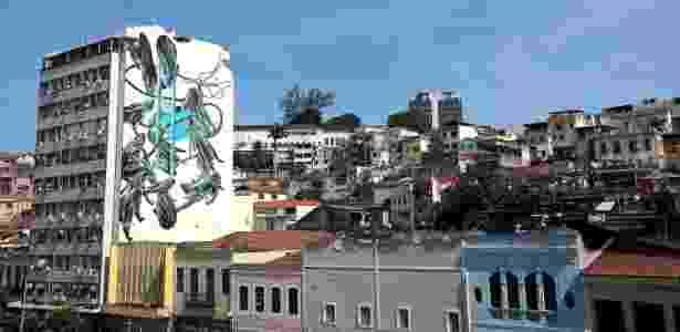 23.fev.2016 - Grafite do artista Pantonio, na rua Sacadura Cabral, na zona portuária do Rio de Janeiro  - Júlio César Guimarães/UOL - Júlio César Guimarães/UOL