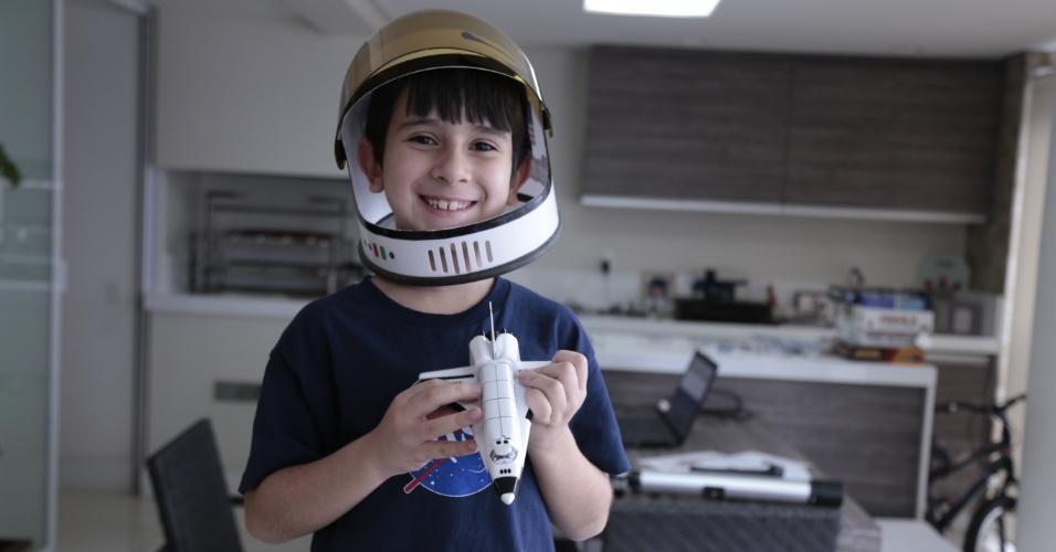 João Paulo Guerra Barrera, 7, brasileiro mais jovem do mundo a ganhar prêmio da Nasa
