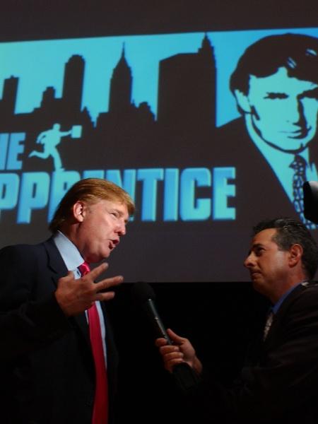 """Donald Trump durante gravação do programa """"O Aprendiz"""" da rede de televisão americana NBC - Amanda Edwards/Getty Images/AFP"""