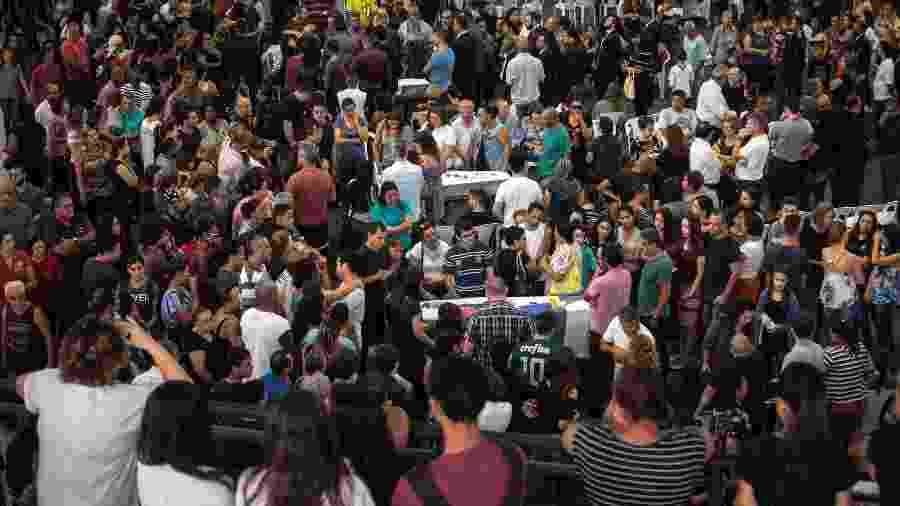 14.mar.2019 - Velório dos corpos de seis das vítimas do massacre ocorrido na Escola Estadual Raul Brasil, em Suzano - Felipe Rau/Estadão Conteúdo