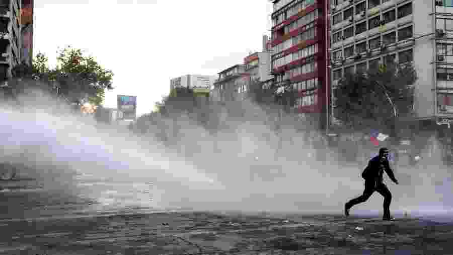 Protesto termina em repressão policial no Chile  - REUTERS/Pablo Sanhueza
