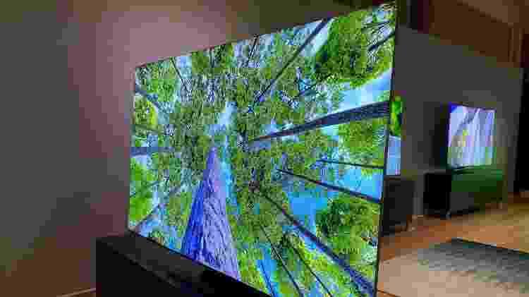 TV 8K da Samsung exibida na feira CES 2020, em Las Vegas - Gabriel Francisco Ribeiro/UOL - Gabriel Francisco Ribeiro/UOL