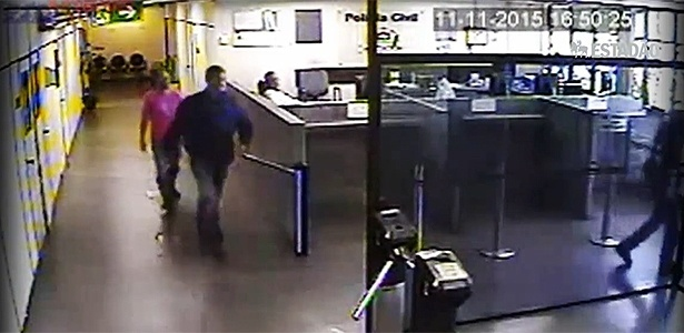 Vídeo flagrou os investigadores Mario Capalbo e Raphael Schiavinatto fugindo