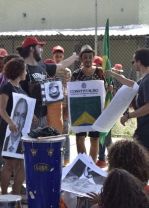 Integrantes do MST se concentram para a Marcha pela Democracia, em Belo Horizonte (MG)