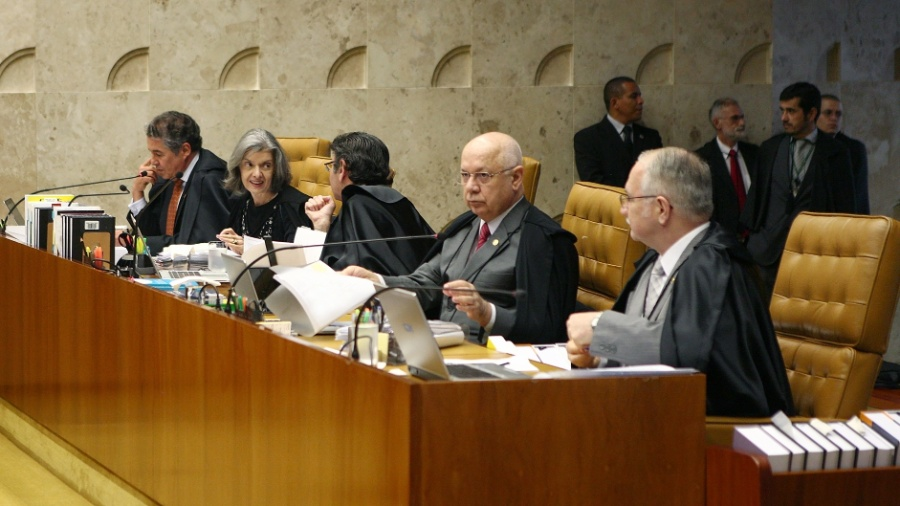 """19.mai.2016 - Em sessão nesta quinta-feira, os ministros do STF (Supremo Tribunal Federal) decidiram suspender provisoriamente a lei que liberava o uso da fosfoetanolamina sintética, conhecida como """"pílula do câncer"""". O uso tinha sido autorizado por uma lei aprovada no Congresso Nacional e sancionada pela presidente afastada Dilma Rousseff em abril - Rosinei Coutinho/SCO/STF"""