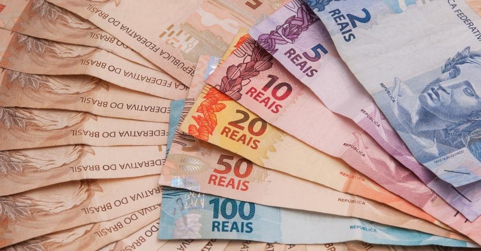 notas de real, moeda brasileira, reais, cédulas