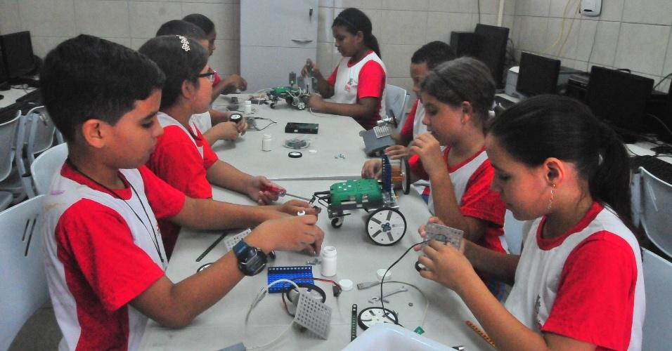 13.dez.2016 - A Escola Municipal Doutor José Novais, em João Pessoa (PB), usa o cordel para ajudar a superar a meta do Índice de Desenvolvimento da Educação Básica (Ideb)