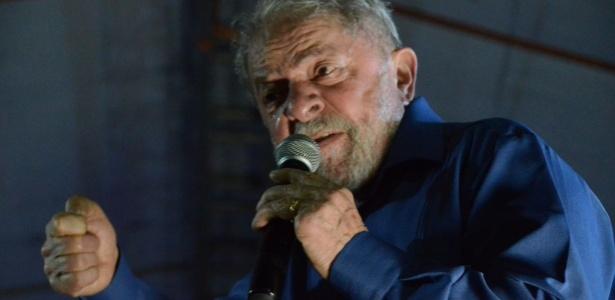 O ex-presidente Lula em discurso na cidade de Estância, no interior de Sergipe