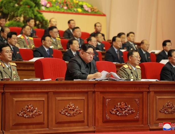 Líder norte-coreano, Kim Jong-un, em conferência em Pyongyang em dezembro de 2017