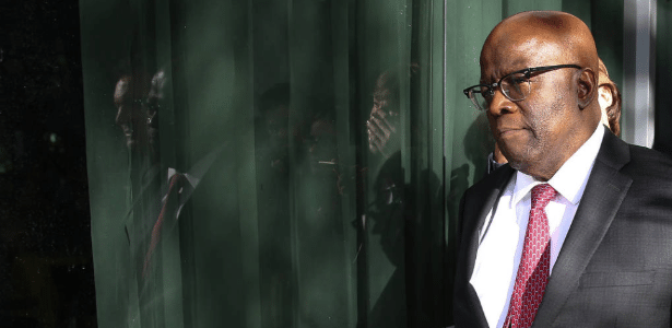 """""""Decisão estritamente pessoal"""", escreveu Barbosa ao anunciar desistência"""