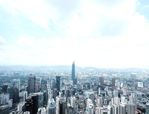 Construção da torre Exchange 106 em Kuala Lumpur, na Malásia - Rebecca Toh/The New York Times