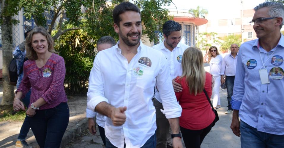 O candidato ao governo do Rio Grande do Sul, Eduardo Leite (PSDB), votou na tarde deste domingo em Pelotas, no Rio Grande do Sul