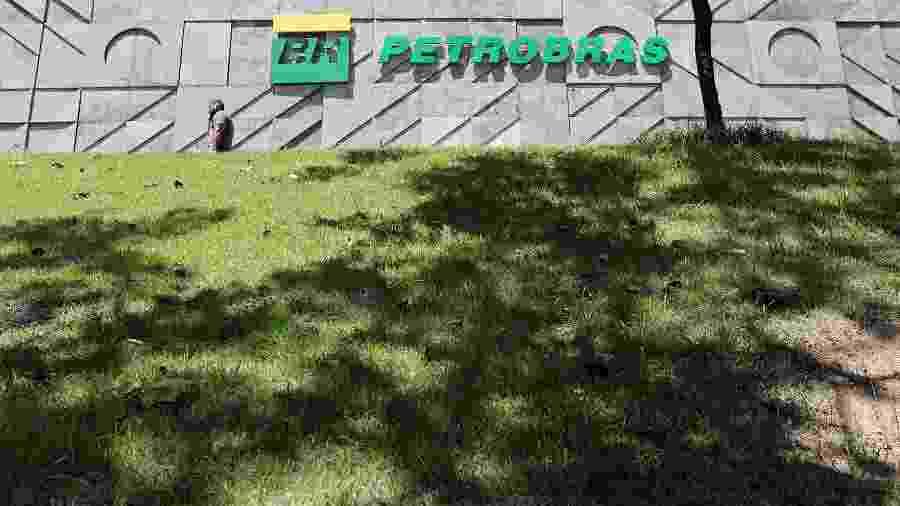 Uma das metas da empresa é reduzir a dívida bruta para US$ 60 bilhões em 2022 - SERGIO MORAES