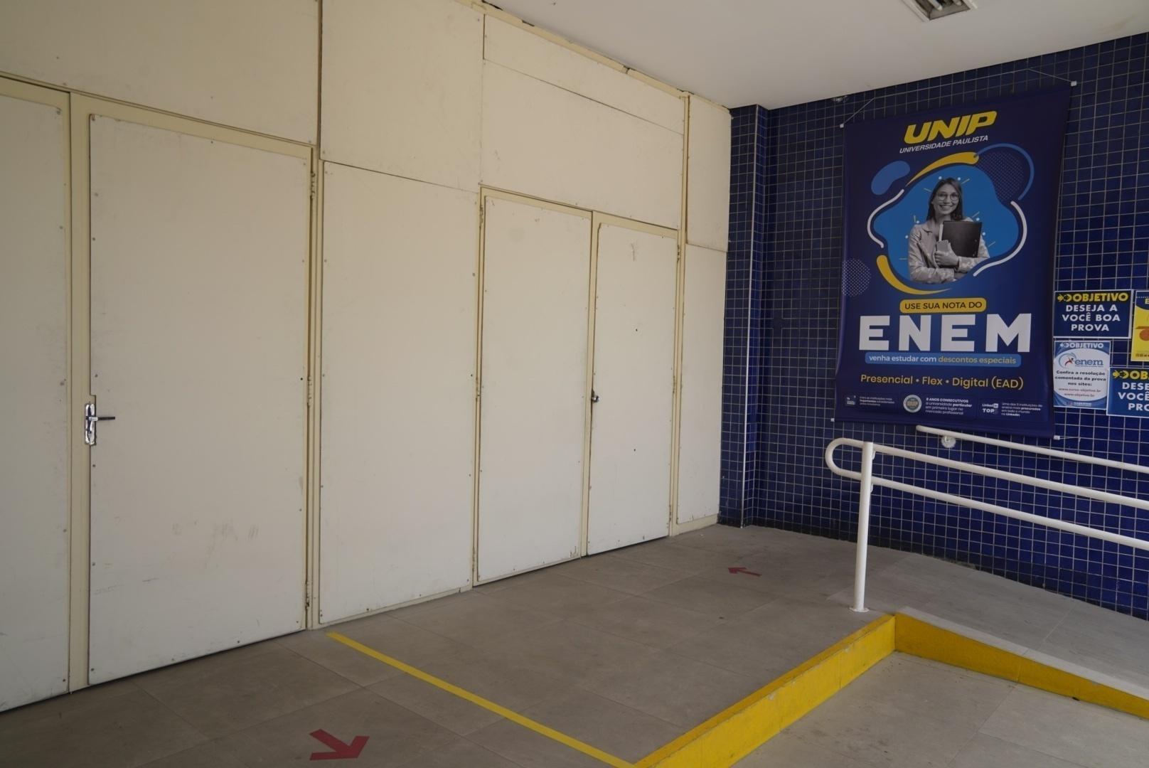 Portões fecharam às 13h para o início do exame - André Porto/UOL