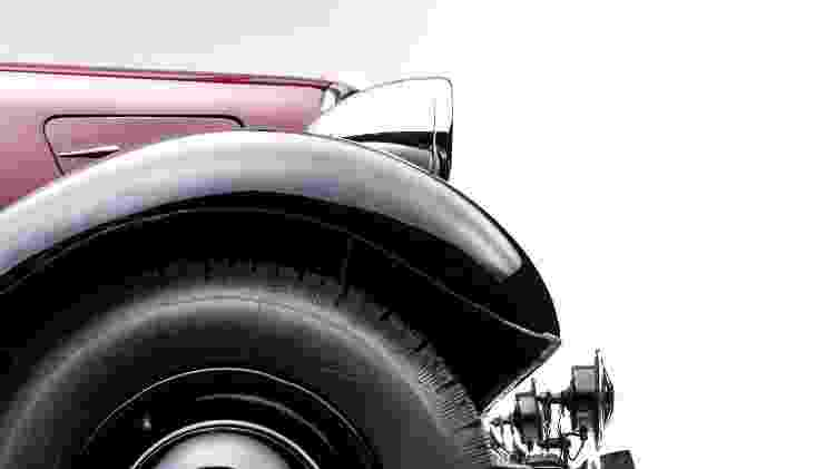 Citroën Traction Avant pneu - Divulgação  - Divulgação