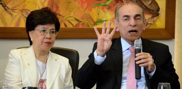 A diretora-geral da OMS, Margaret Chan, e o ministro da Saúde, Marcelo Castro, visitaram hospital de referência no Recife (PE)
