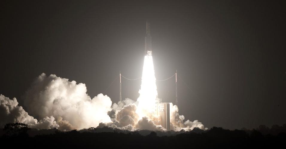 9.mar.2016 - A Agência Espacial Europeia (ESA) lançou com sucesso na estação Kourou, na Guiana Francesa, missão do foguete Ariane levando o satélite de comunicação Eutelsat 65 West A, projetado para ampliar a capacidade de transmissão de dados durante o período dos Jogos Olímpicos do Rio-2016