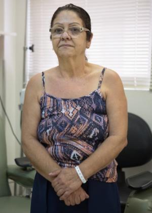 A aposentada Renilda Teresinha Alves da Rocha, 58, testa um medicamento contra depressão